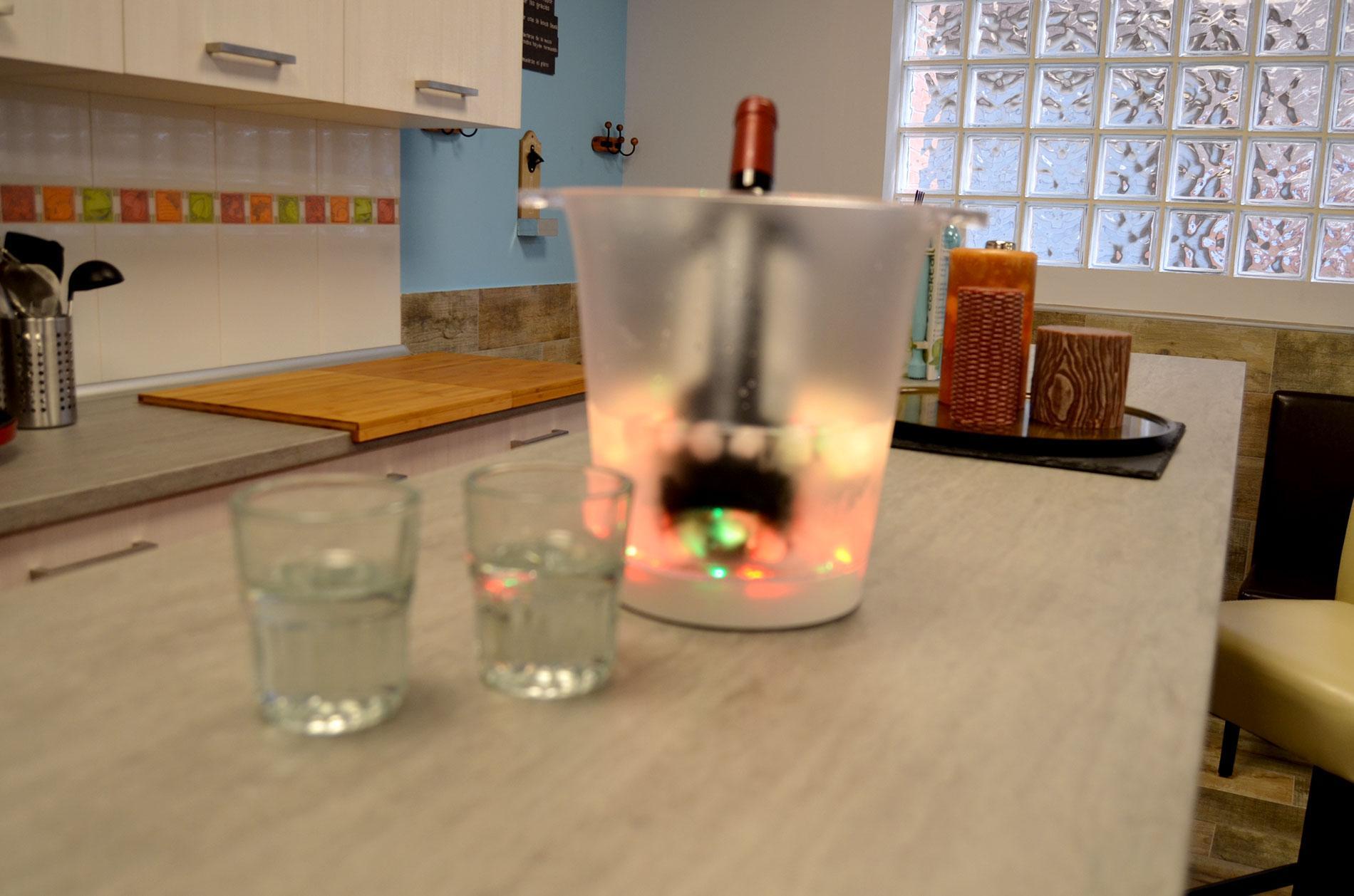 Txoko Eguzkilore - Refrescando las bebidas